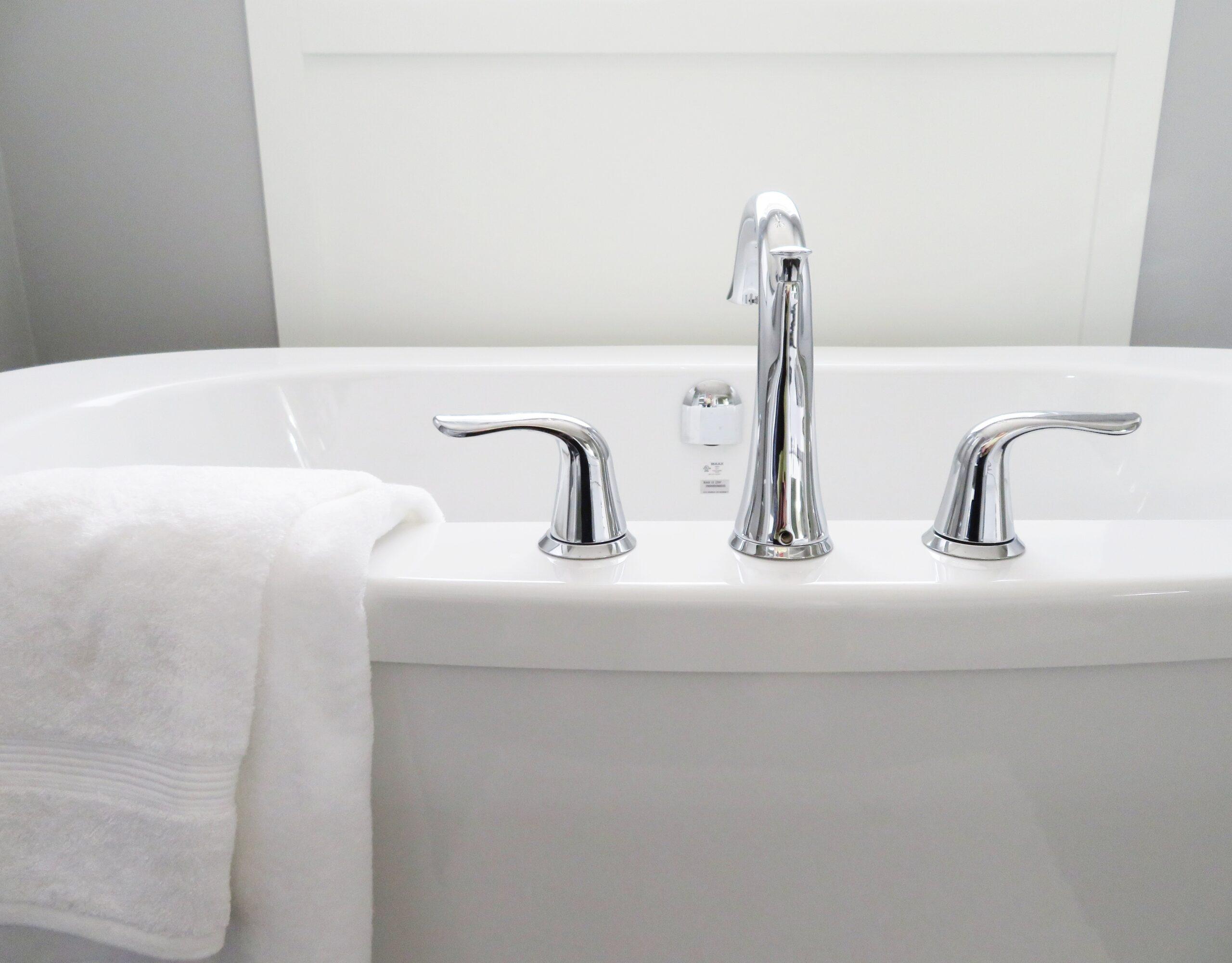 Prisudregner til bad – Afhænger af badeværelse fliserne