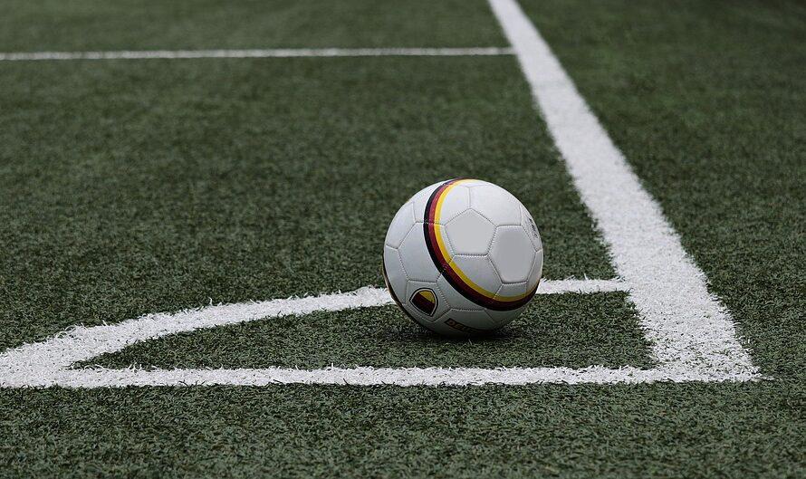 Køb målmandshandsker i god kvalitet og holdsæt til skarpe priser hos Sportyfied
